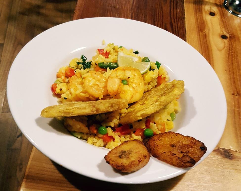 Arroz con camarones - Colombian food