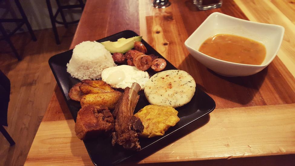 Colombian food - Bandeja Moñatanera