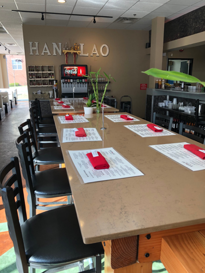 Han Lao Laotian Food dining room